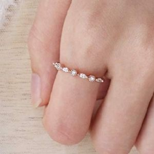 Rose gold twist lovers ring
